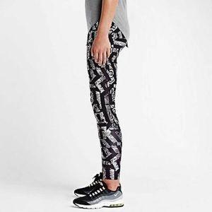 Nike Sportswear Leg-A-See Running Legging Pant